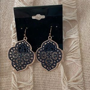 Jewelry - NWT EARRINGS